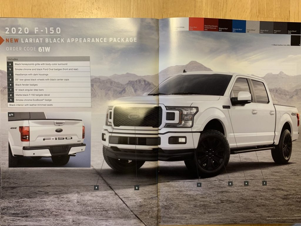 Dit is de Ford F-150 Lariat met het Black Appearance Package